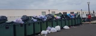 Laura Betancort: ''El Alcalde sabía la situación de emergencia del servicio de recogida de basura en Yaiza y no hizo nada''